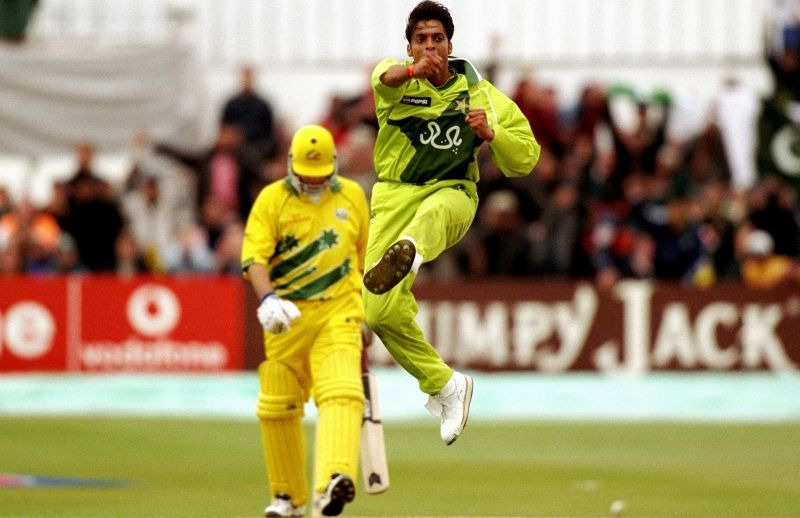 Shoaib Akhtar is gung-ho after yorking Aussie captain Steve Waugh in a tight run chase