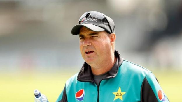 पाकिस्तान टीम के कोच मिकी आर्थर