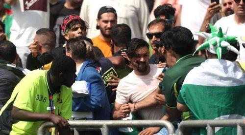 पाकिस्तान और अफगानिस्तान के बीच मैच के दौरान दो पक्षों में झड़प