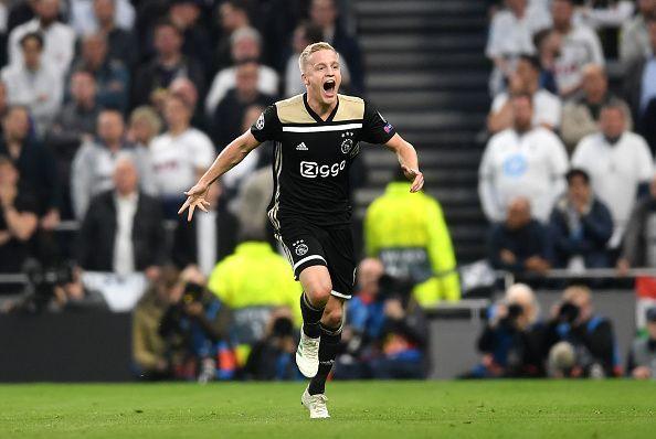 Ajax starlet - Donny van de Beek