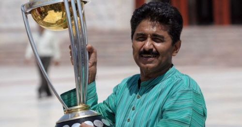 Javed Miandad was the part of the Pakistani team which won the 1992 World Cup.