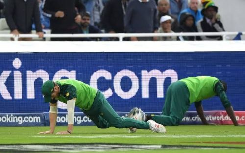 Poor fielding from SA