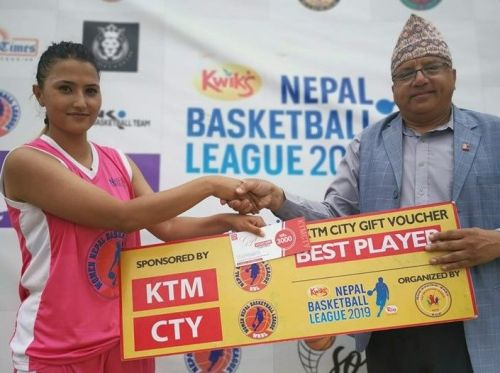 Sadina Shrestha (L) of Samriddhi Gorillas was adjudged player of the match