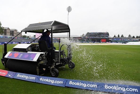 Pakistan v Sri Lanka - When this much water comes out of the field, you might as well go home