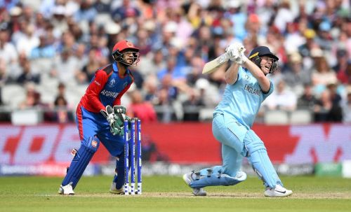 इयोन मॉर्गन - 17 छक्के, 71 गेंद
