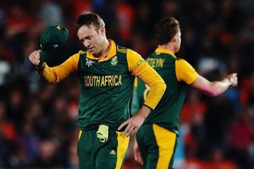 AB de Villiers wants fans to back the players