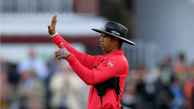 Dharmasena Gives Wrong 6 Over throw Runs that Cost NZ in the Final.