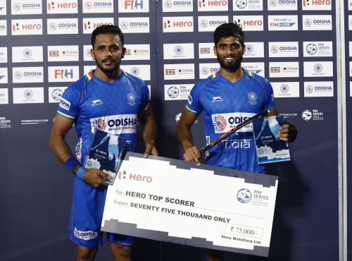 Harmanpreet and Varun after the finals of the FIH Series