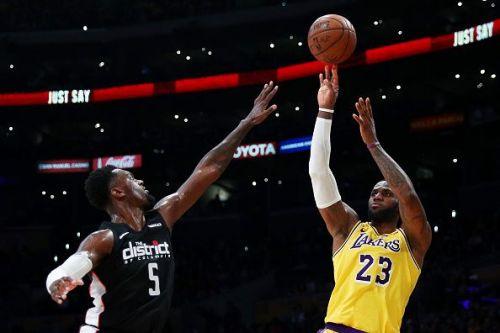 LeBron James pulls up for the shot