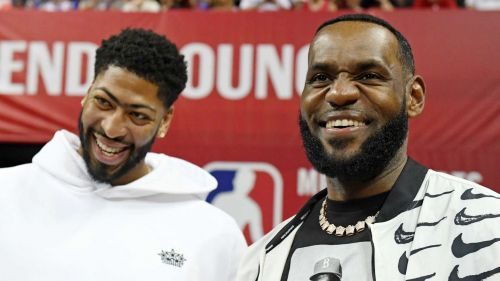 Anthony Davis, left, and LeBron James