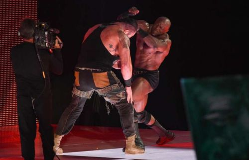 Braun Strowman and Bobby Lashley battle on the stage during RAW.