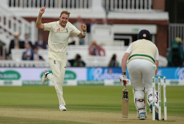 Stuart Broad joined Chris Woakes in destroying the Irish batting lineup