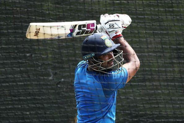 अम्बाती रायडू ने अन्तर्राष्ट्रीय क्रिकेट से सन्यास लिया