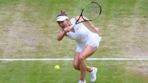 Simon Halep in action at Wimbledon