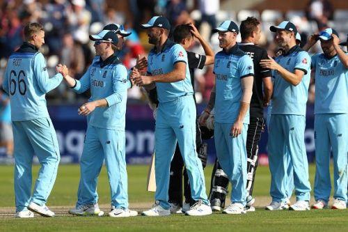 अंतिम मैच में न्यूजीलैंड को हराने के बाद इंग्लिश टीम