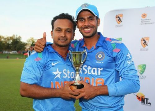 Manoj Tiwary (R) wasn't given many chances to cement a spot in the ODI side