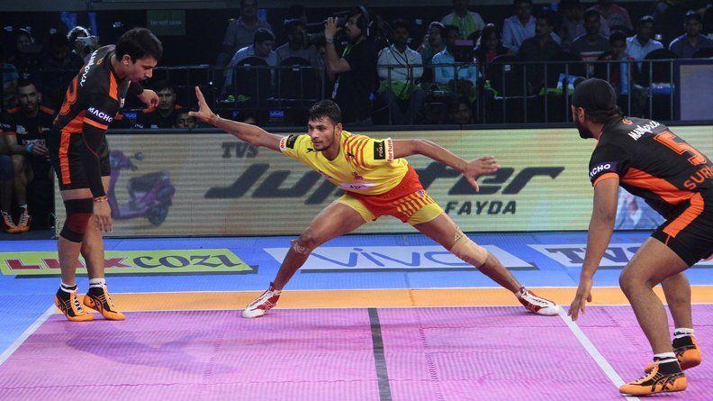 Sachin Tanwar in action for Gujarat Fortunegiants