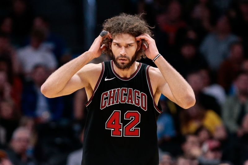 Robin Lopez signed with the league-leading Milwaukee Bucks recently.