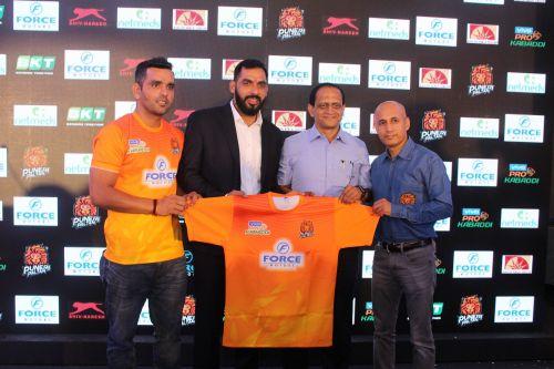 Surjeet Singh (L) was announced as the captain of the Puneri Paltan for PKL 7