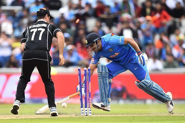न्यूजीलैंड के खिलाफ ऐसे रनआउट हुए थे एमएस धोनी