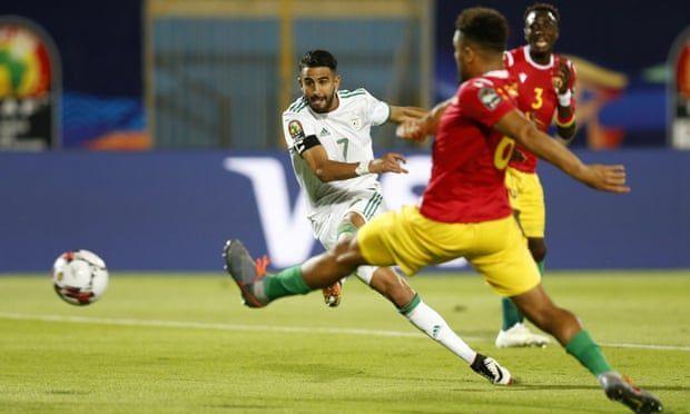 Mahrez scores the second goal.