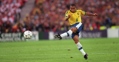The first genuine superstar left back-Roberto Carlos