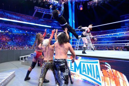 टैग टीम मैच में WWE के कई सारे सुपरस्टार्स