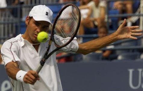 Roger Federer at the 2000 US Open