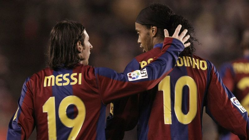 Ronaldinho took a young Messi under his wings