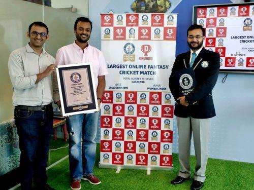 Bhavit Sheth (left) - COO & Co-Founder - Dream11, Harsh Jain (middle) - CEO & Co-Founder Dream11, Swapnil Dangarikar, Adjudicator, Guinness World Records (right)