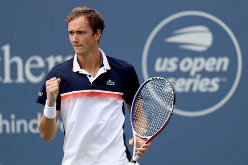 Medvedev moves into first Cincinnati quarterfinal