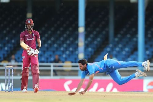 Bhuvneshwar Kumar took a stunning one-handed catch