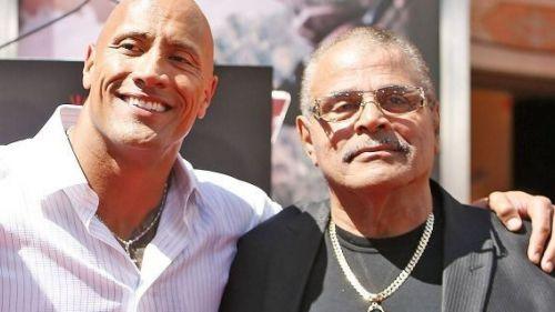 द रॉक और उनके पिता