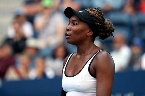 Venus Williams crushed her first round opponent Saisai Zheng.