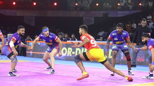प्रो कबड्डी लीग 2019, मैच 20: गुजरात फॉर्च्यूनजायंट्स vs दबंग दिल्ली
