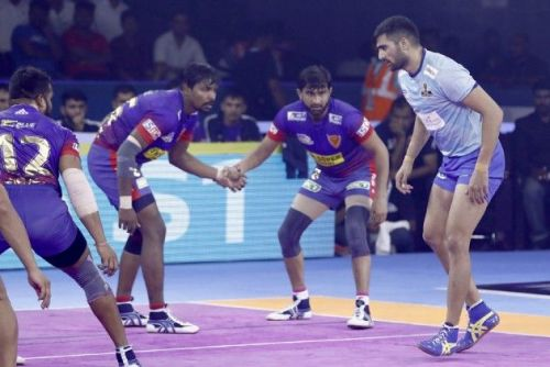 Rahul Chaudhari has been a lone source of raid points for the Thalaivas.