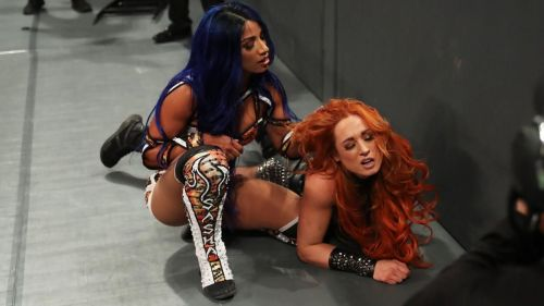 Sasha Banks returned to RAW this week in a major way by attacking Becky Lynch.
