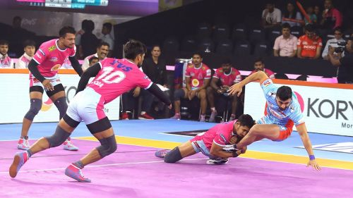 Can Jaipur's strong defense power them to their 5th continuous win?