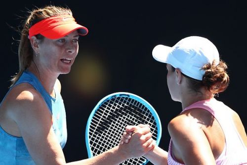 Maria Sharapova(L) and Ashleigh Barty
