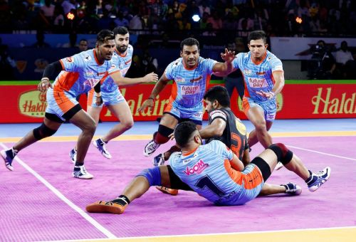 Bengal Warriors won the close-called battle from U Mumba with the score 32-30