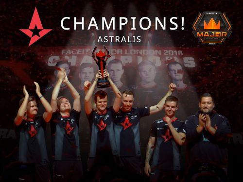 Andreas 'Xyp9x' Hojsleth with 2018 FaceIt London Major Trophy