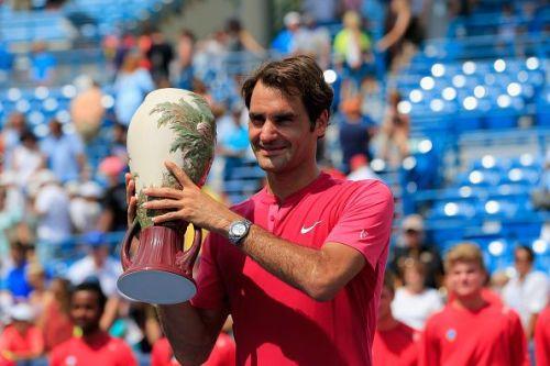 Roger Federer with the Cincinnati trophy