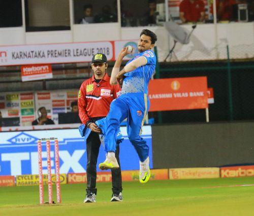 V Koushik in action for the Bengaluru Blasters during KPL 2018