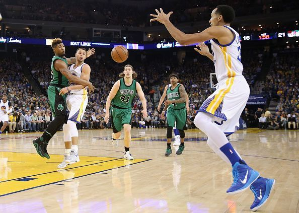 Shaun Livingston could serve as a mentor to a young Boston roster