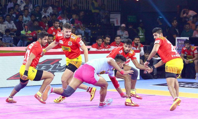 गुजरात फॉर्च्यूनजायंट्स  vs जयपुर पिंक पैंथर्स