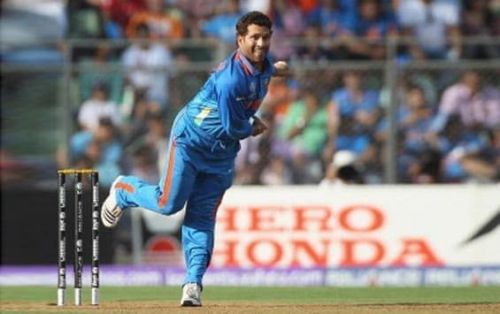 Sachin defended less than 6 runs in last over twice