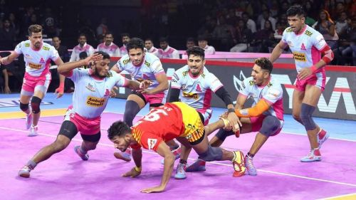 The Jaipur defenders will hope to stop the UP raiders