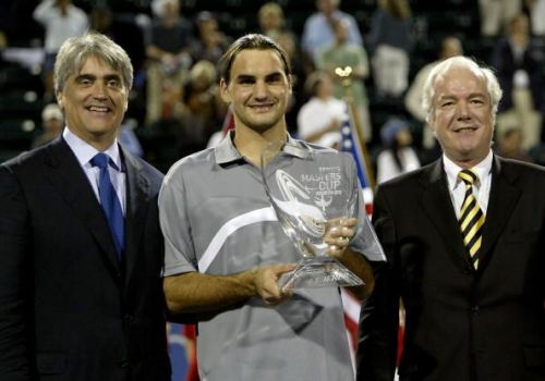 Federer beats Agassi to win his first ATP Finals title at 2003 Houston