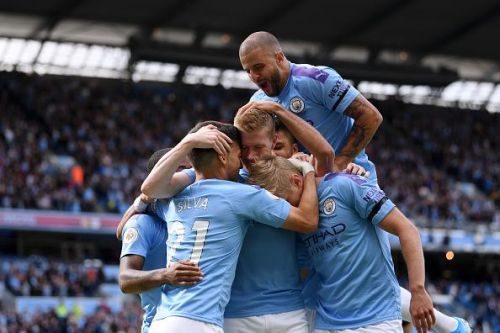 Manchester City celebrate Kevin De Bruyne's 2nd-minute goal.