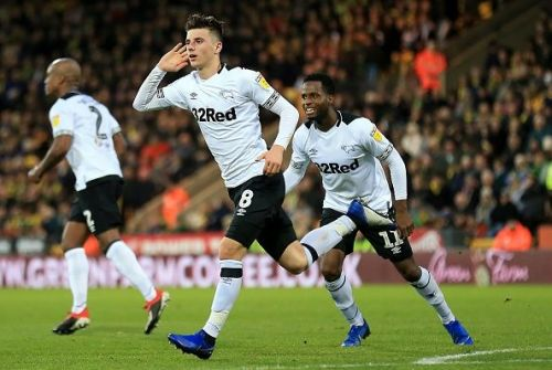 Mason Mount celebrating a goal for Derby County